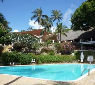 Pango Pool mit Diani Restaurant Leisure Lodge Resort
