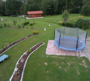 Park mit Trampolin Landhotel Rappenhof