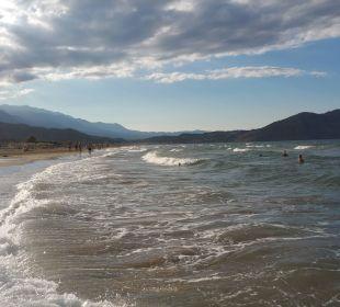 Berge und Meer Vantaris Beach Hotel