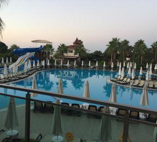 Pool am Morgen Side Sun Bella Resort & Spa