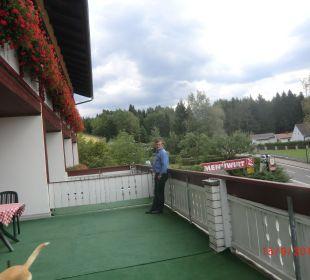 Riesengrosse Terrasse für uns Hotel Menüwirt