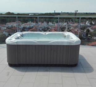 Whirlpool am Dach Hotel Eraclea Palace