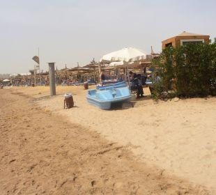Strand White Beach Resort