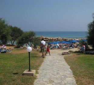 Weg zum Strand Hotel Mimosa Beach