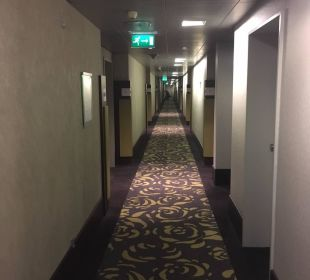 Hotel-Flur zu den Zimmern Dorint Hotel am Heumarkt Köln