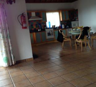 Blick in  Esszimmer und Küche Villen Los Lomos