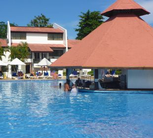 Hauptpool mit Swim In Bar Hotel BlueBay Villas Doradas Adults Only