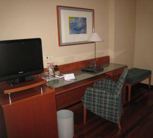Minibar, TV, Schreibtisch NH Barcelona Centro