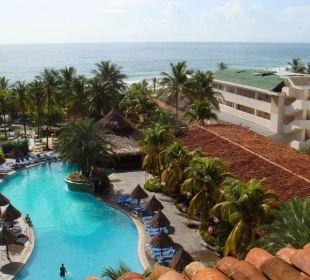 Aussicht auf den Pool Hotel Pueblo Caribe