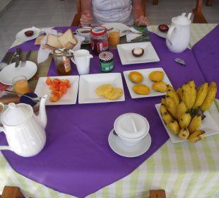 Frühstück Bougain Villa