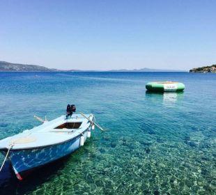 Kai Baroni mit Boot und Wassertrampolin Pension Villa Baroni
