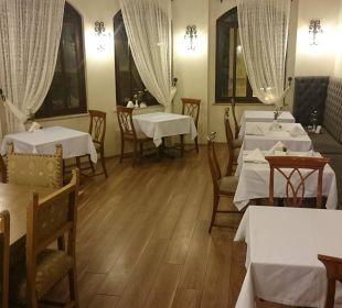 Esstische am Restaurant  Aspen Hotel
