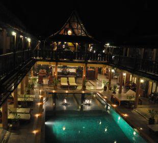 At night Ruean Thai Hotel