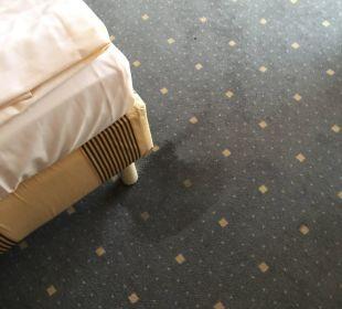 Da gehört mal ein neuer Teppich rein! Relexa Hotel Ratingen City