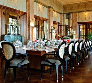 Cheminee-Teil im Scala Restaurant Art Deco Hotel Montana Luzern
