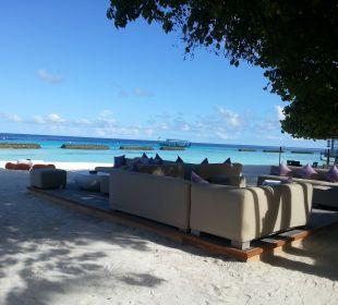 Außenanlage an der Bar Hotel Constance Moofushi Resort