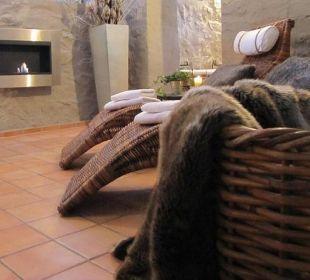 Exklusiver Saunabereich mit Kamin und LCD-TV Country-Suites Landhaus Dobrick Am Schultalbach
