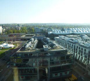 Blick vom Zimmer 14. Stock Pullman Dresden Newa