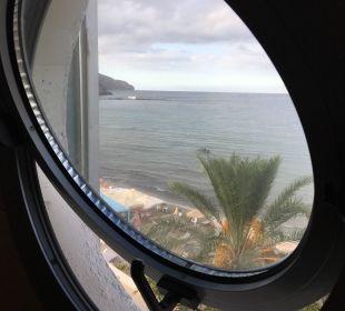 Blick aus dem Badfenster Hotel Corissia Princess