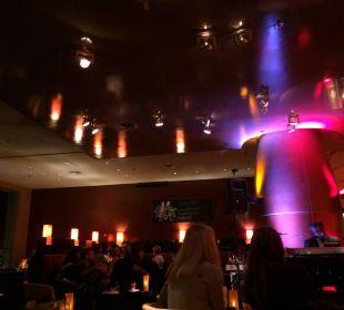 Abends an der Bar Dorint Hotel am Heumarkt Köln