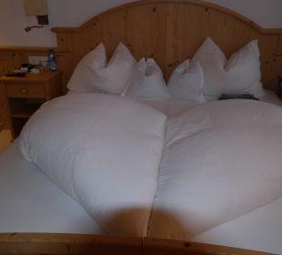 Jeden Tag war unser Bett anders hergerichtet Kronplatz-Resort Berghotel Zirm