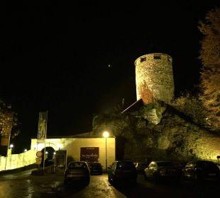 Burg und Restaurant bei Nacht  Burghotel Deutschlandsberg