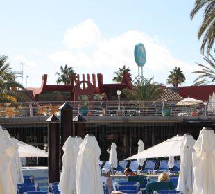 Blick vom Hauptpool zur Lobby Dunas Suites&Villas Resort