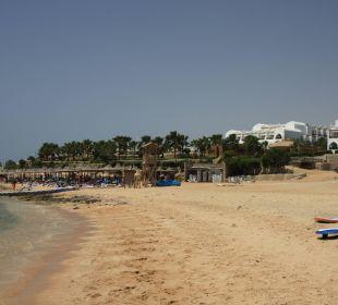 Pomost i plaża w oddali hotel Melia Sharm Cyrene Grand Hotel