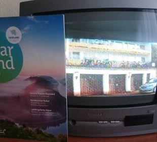 TV (schlechtes Bild, zum Vergleich A4-Magazin) Hotel Kaiserhof