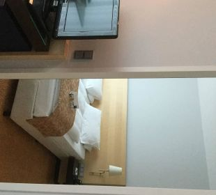 Blick ins Schlafzimmer Hotel Dorint an der Messe Köln