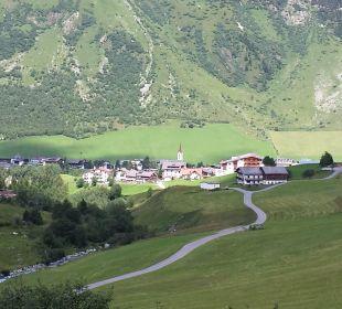 Galtür von oben  Alpinhotel Monte