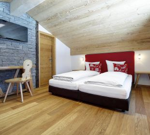Vierbettzimmer Superior Hotel Berghaus Bort