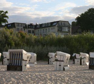 Strand dirket vor dem Hotel Strandhotel Ostseeblick