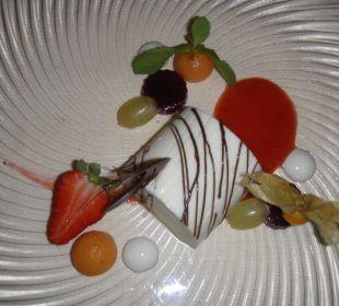 Joghurt-Terrine mit Früchten Hotel Zirmerhof