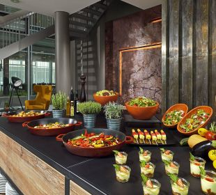 Berlin Foyer Buffet Courtyard Hotel by Marriott Berlin Mitte