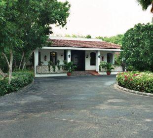 Anfahrt zur Rezeption Hotel Diani Sea Lodge