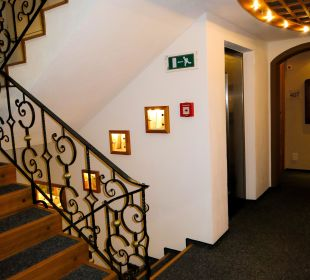 Treppenhaus& Flur Hotel Goldener Adler