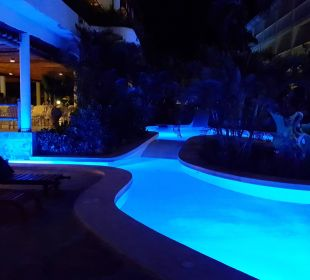 Pool zur Kisima Bar Hotel Traveller's Club