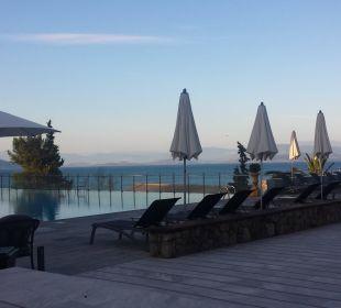 Pool am Abend  Kontokali Bay Resort & Spa
