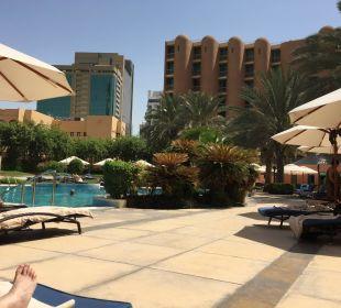 Blick vom Pool Sheraton Hotel & Resort Abu Dhabi