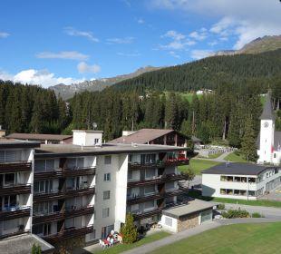 Vom Balkon um die Ecke geschielt Sunstar Alpine Hotel Lenzerheide