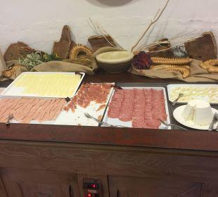 Frühstück - Wurst/Käse Hotel Baia Caddinas