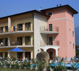 Die Residence von vorne Residenza Le Due Torri