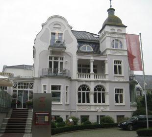 Straßenansicht Haupthaus Vier Jahreszeiten Kühlungsborn -  Hotel