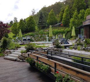 Pool und Schwimmteich Außen 1 Gartenhotel THERESIA