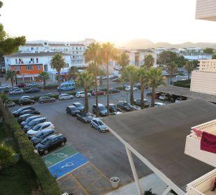 Ausblick vom Zimmer zur Strassenseite Hotel Playa Esperanza