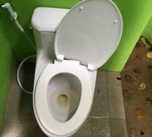 Defektes WC La Flora Resort & Spa
