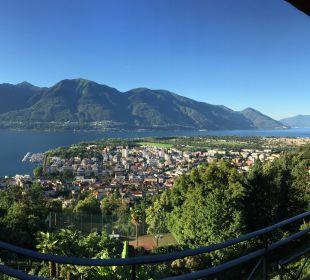Blick vom Zimmerbalkon auf den Lago Maggiore Villa Orselina Boutique Hotel