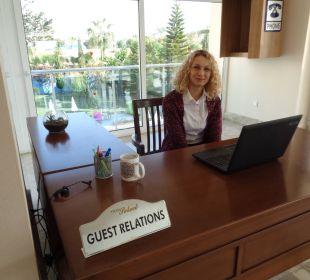 Emela-ganz nette Gästebetreuerin Hotel Titan Select