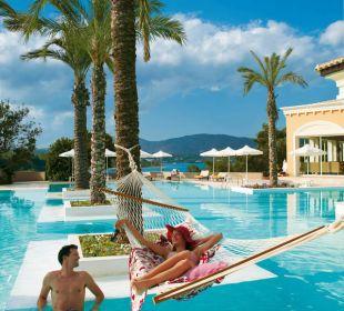 Pool-Bereich und Bar Hotel Grecotel Eva Palace